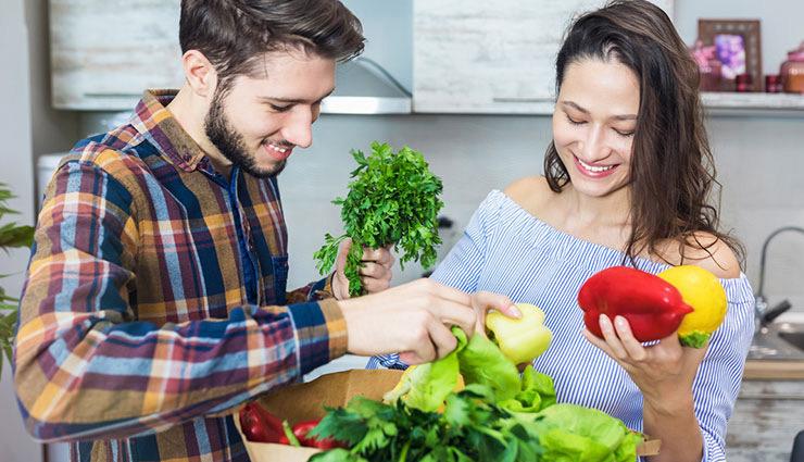 महिला हो या पुरुष... क्या, कब और कितना खाएं? इन सवालों के जवाब पाने के लिए पढ़ें ये लेख