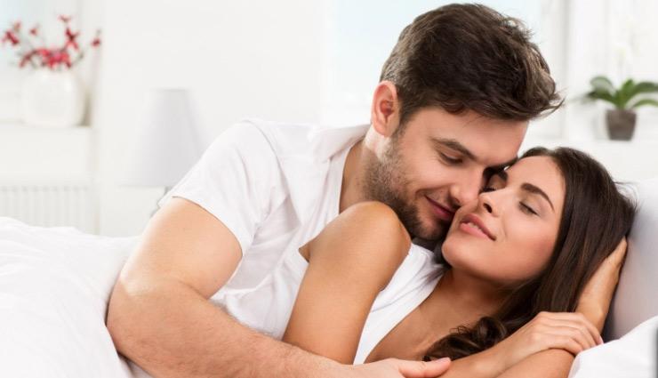 marriage life,marriage,husband,wife,partner,habits,couple,obliged,listener,intimacy,conversation ,वैवाहिक जीवन, शादी, विवाह, पति, पत्नी, पार्टनर, आदतें, दंपत्ति, कृतज्ञ, श्रोता, अंतरंगता, संवाद