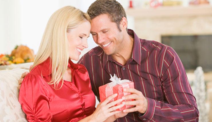long distance relationship,relation,husband,wife,partner,insecure,surprise,love feeling,believe,mature,time management,dedication,relationship article in hindi ,लोंग डिस्टेंस रिलेशनशिप, रिश्ता, पति, पत्नी, पार्टनर, असुरक्षित, सरप्राइज, प्यार की भावना, विश्वास, परिपक्व, टाइम मैनेजमेंट, समर्पण, हिन्दी में रिश्ते संबंधी लेख