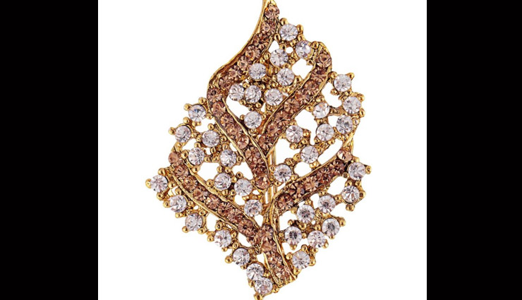 brooch to add grace to your saree look,saree brooch,designer brooch,fashion trends,latest fashion trends