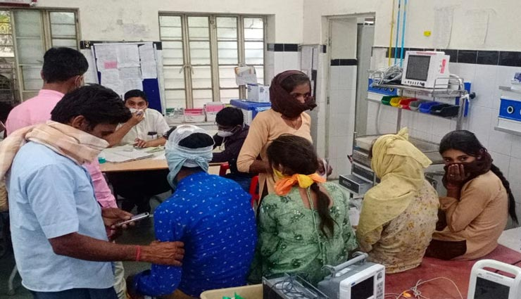 बाड़मेर : पलटी स्कूली बच्चों से भरी बोलेरो, दर्जन भर बच्चे घायल, 4 की हालत गंभीर