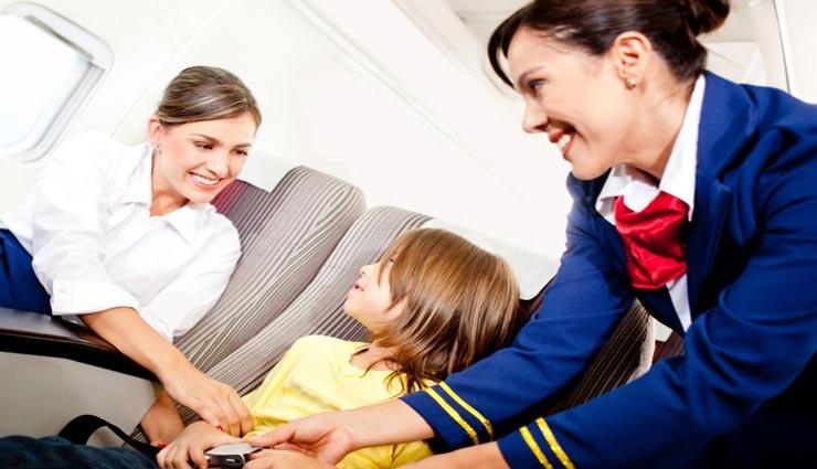 हवाई जहाज में सफ़र के दौरान की अनजान बातें, जिनकी भनक तक नहीं होगी आपको