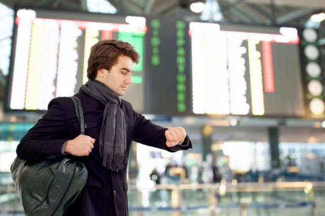 fashion accessories to avoid,fashion accessories to avoid at airport,airport look tips,fashion tips ,एअरपोर्ट
