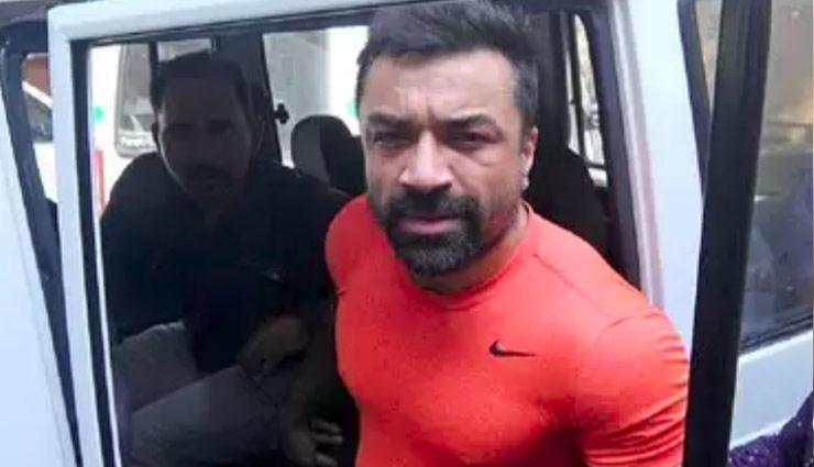 ajaz khan,ajaz khan arrested,ajaz khan tik tok video,ajaz khan controversial tik tok video,entertainment ,एजाज खान, एजाज खान वीडियो