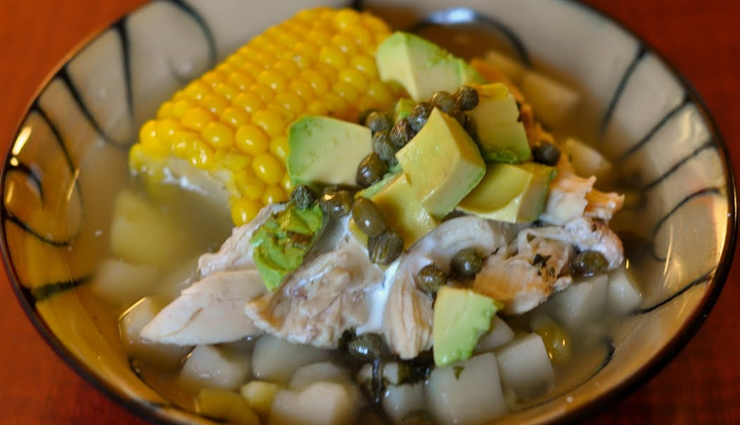 traditional colombian dishes,bandeja paisa,lechona,ajiaco,sancocho,changua,arepas,fritanga,hormigas culonas,tamales,rondon,travel,holidays