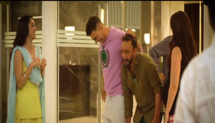 फिल्म 'गुड न्यूज' के सेट से वायरल हुए ये मजेदार वीडियो, मस्ती करते नजर आए अक्षय कुमार