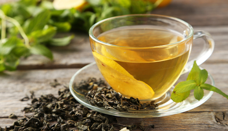 nettle tea,green tea,caffeine-free hot drinks,freshly squeezed orange juice,smoothies,peppermint tea,chamomile tea,allergic rhinitis,home remedies to treat allergic rhinitis,home remedies,Health tips,fitness tips