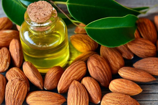 almond oil,beauty benefits of almond oil,beauty tips,skin care tips