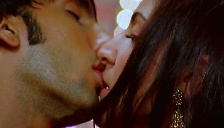 hot kiss of bollywood,international kiss day,bollywood celebrities kiss,erotic kiss scenes,kissing scenes that created the hotness,valentines special