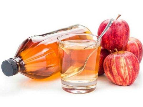 remedies for dry hair,hair care tips,beauty tips,home remedies,coconut oil,apple side vinegar,curd ,एवोकाडो, एग शैंपू, कोकोनट ऑयल, एप्पल साइडर विनेगर, दही, बालों की देखभाल, घरेलू नुस्खे, बालों के रूखेपन से छुटकारा