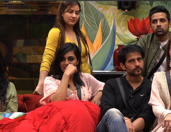 #BB11 When Arshi Khan Felt SHY in Front of This Contestant