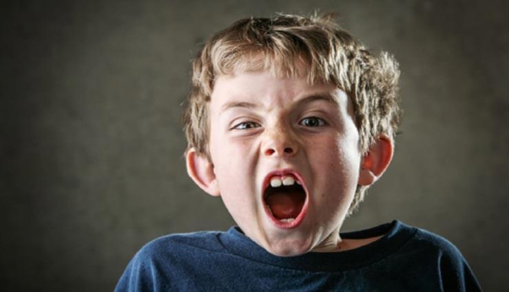 बच्चों के चिडचिडा होने का कारण बनती है पेरेंट्स की ये गलतियाँ, जानें और इनमें सुधार करें