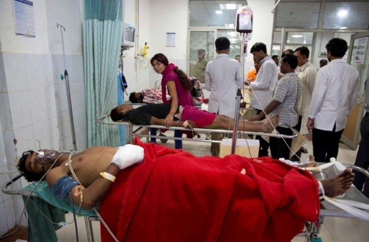 varanasi bridge collapse,accident photos ,बनारस पुल हादसा