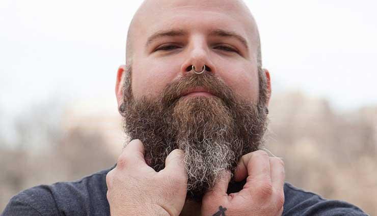 सर्दियों में दाढ़ी की डैंड्रफ बनती है बड़ी समस्या, इन 6 घरेलू नुस्खों की ले मदद