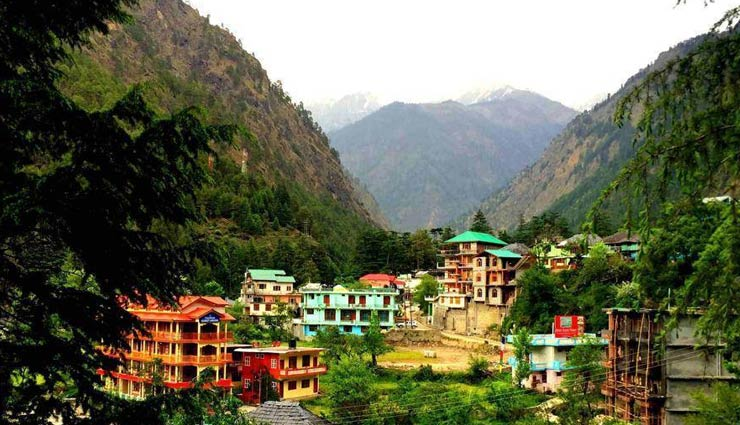 beautiful villages,beautiful villages in india,mawlynnong,meghalaya,malana,himachal pradesh,mirik,west bengal,chaugan village,madhya pradesh,lachen village,sikkim