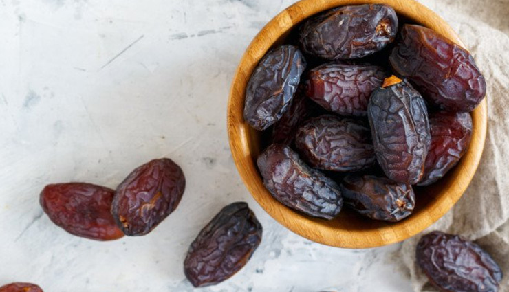 4 Beauty Benefits of Eating Dates