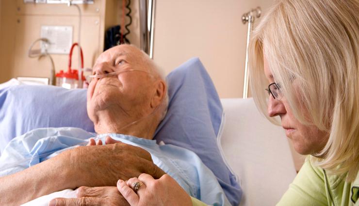 Tips To Take Proper Care of Bedridden Elders at Home