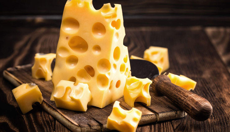 5 Health Benefits of Eating Cheese