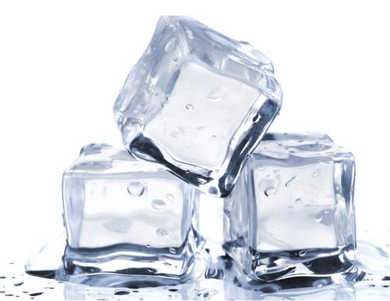 दवाई का कडवापन दूर करेगी बर्फ, जाने बर्फ के और फायदे