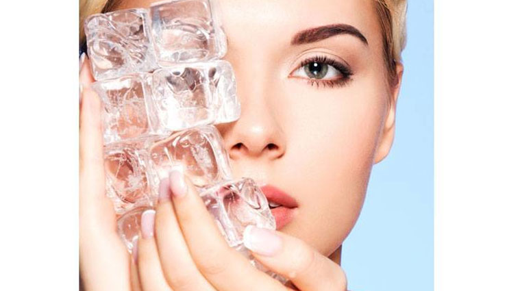 5 Beauty Benefits of Using Ice Cubes