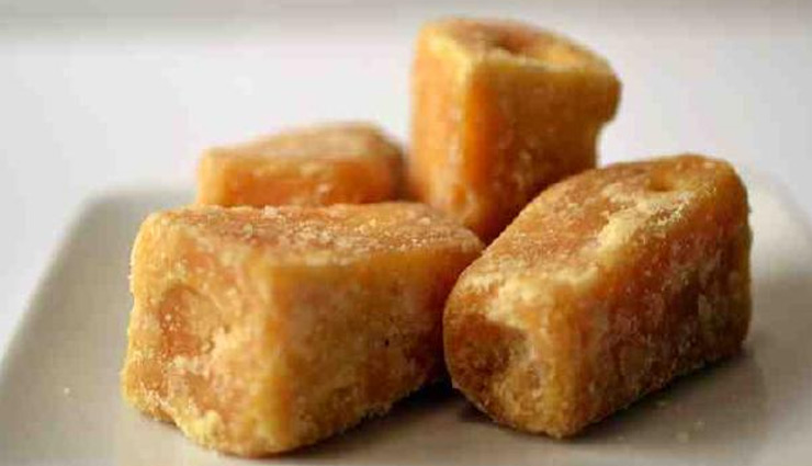 5 Amazing Health Benefits of Eating Jaggery in Winters