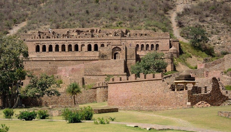bhangarh,haunting facts about bhangarh,weird facts about bhangarh,weird facts,rajasthan