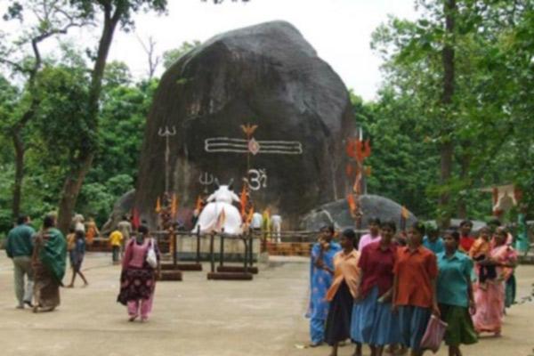 world largest shivling,booteshwar shivling,india ,शिवलिंग, भूतेश्वरनाथ शिवलिंग, छत्तीसगढ़