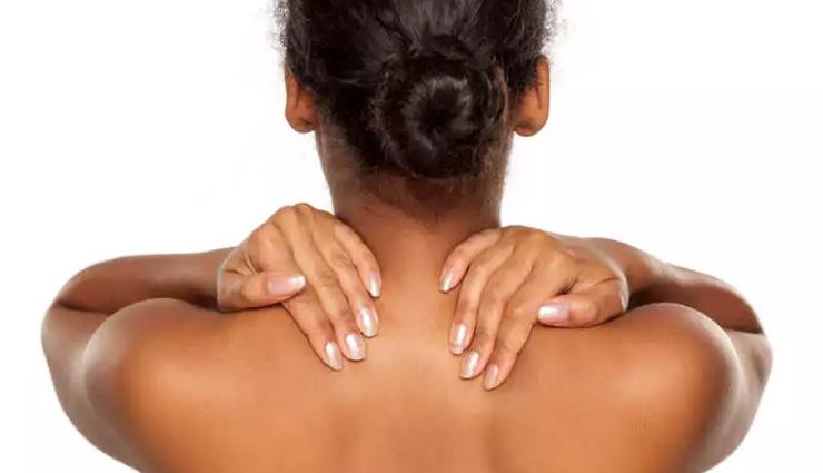 गर्दन के कालेपन की वजह से होना पड़ सकता है शर्मिंदा, ये घरेलू उपाय दूर करेंगे आपकी दुविधा