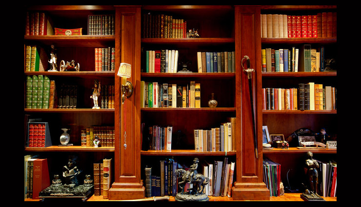 ways to keep bookshelf organized,tips to organize bookshelf,household tips,books care tips
