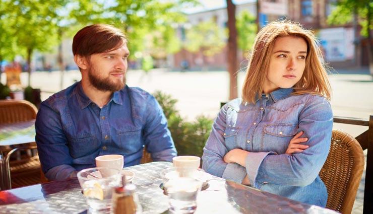ब्वॉयफ्रेंड और गर्लफ्रेंड की लड़ाई में रेस्टोरेंट के वेटर को हुआ 3 लाख का फायदा, सच्चाई हैरान करने वाली