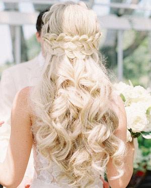 braids hairstyle,bride fashion tips ,फैशन टिप्स, फैशन टिप्स हिंदी में, ब्राइड्स टिप्स, ब्राइड्स के लहंगे, स्टाइलिश लहंगे, लहंगे में स्टनिंग लुक