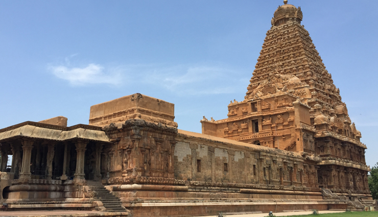 hindu temples of india,most visited hindu temples of india,meenakshi amman temple,virupaksha temple,khajuraho group of temples,brihadeeswarar temple,puri jagannath temple,travel,holidays,travel guide,india tourism,tourist places in india