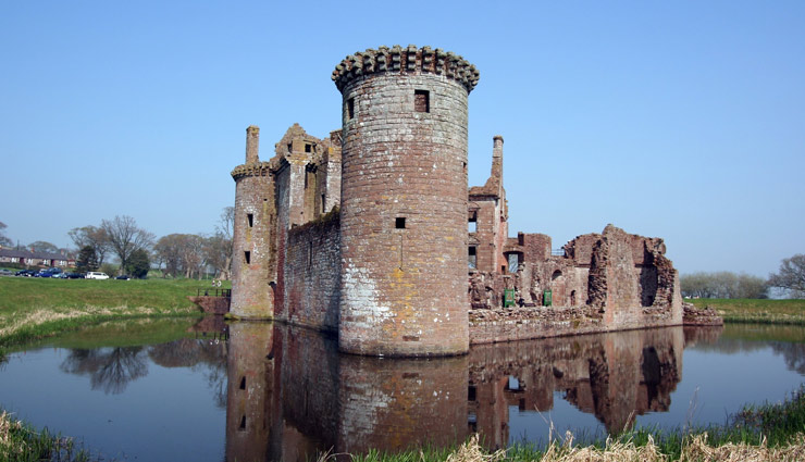 charles sieger home,florida,bodiam castle,england,caerlaverock castle,united kingdom,angkor wat,cambodia,muiderslot castle,netherlands,beautiful moats,moats in the world