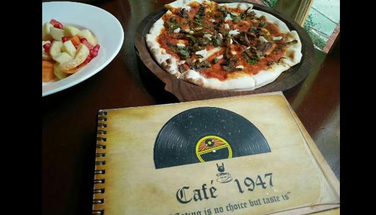 cafes in himachal pradesh,best cafe in himachal pradesh,himachal pradesh,must visit cafe in kasol,must visit cafe in dharamshala,cafe 1947,manali,hangout-rooftop bar and restaurant,kasauli,freedom cafe,chalal,illiterati,dharamshala,sunshine cafe,manali