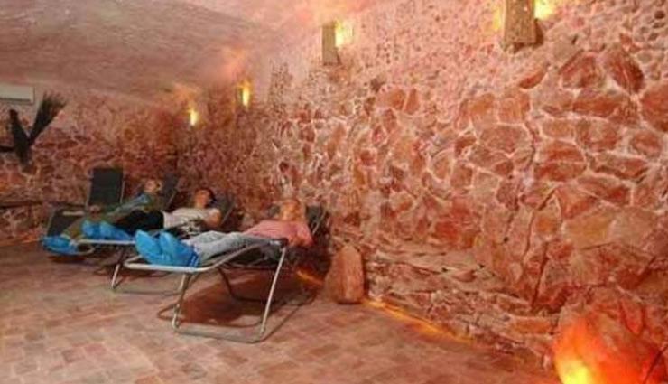 इस गुफा में सोनेमात्र से दूर होगी आपकी गंभीर बिमारी, जानें इसके अनोखे इलाज के बारे में