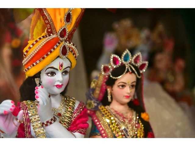 janmashtami 2019,janmashtami celebration in india,krishna janmashtami,mathura,uttar pradesh,vrindavan,uttar pradesh,dwarka,gujarat,maharashtra,manipur