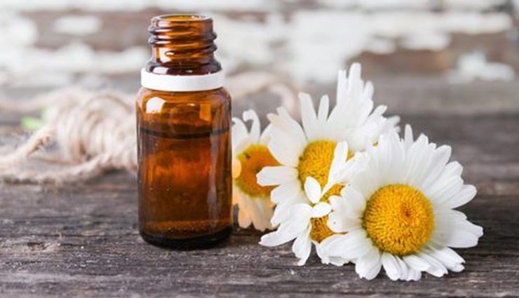 5 Benefits of Using Chamomile Oil For Ultimate Skin Care
