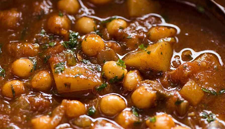 Recipe- Easy To Make Chana Aloo Curry