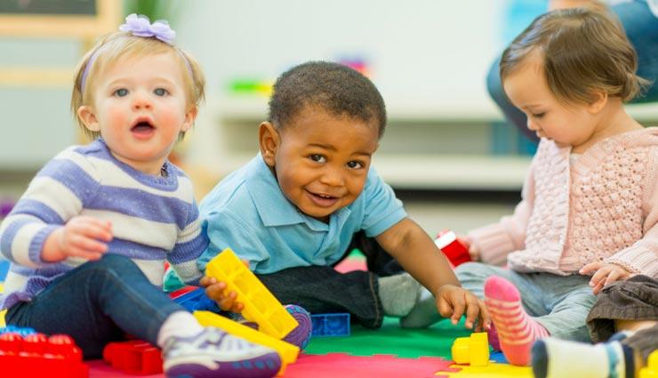 अगर आपका बच्चा भी जाता है प्री स्कूल, ये 8 आदतें सिखाना बहुत जरूरी