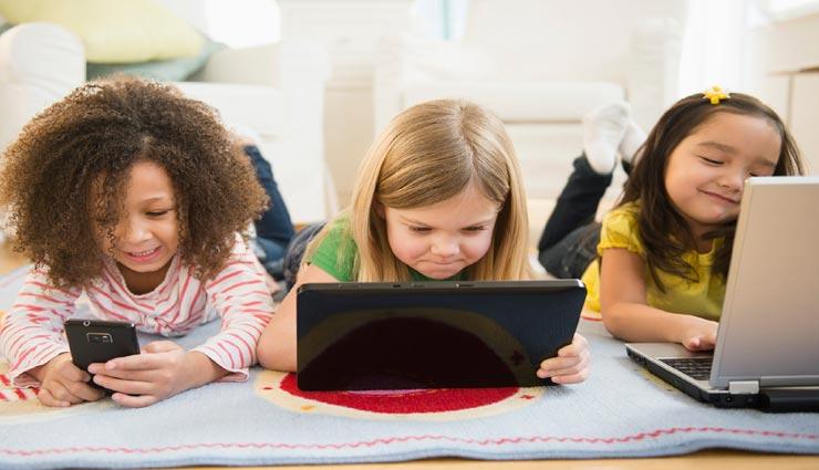 इस डिजिटल युग में लाना होगा बच्चों की परवरिश में बदलाव, बंदिश लगाने की जगह बरतें सावधानियाँ