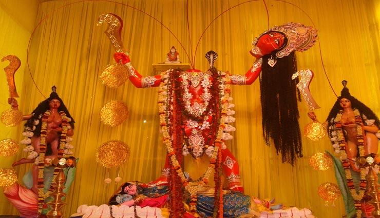 नवरात्रि के तीन दिन ही खुलता हैं मातारानी का यह मंदिर, पूरे साल बंद रहते हैं कपाट