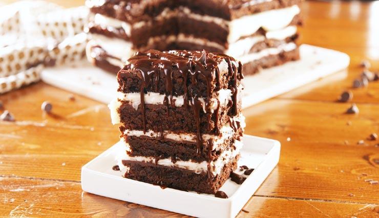 पार्टनर के लिए बनाए 'चॉकलेट ब्राउनी', वैलेंटाइन बनेगा स्पेशल #Recipe