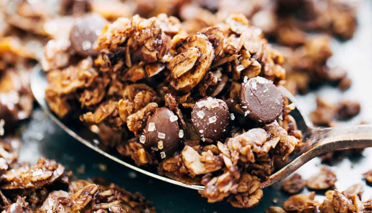 Recipe- Big Cluster Chocolate Granola For Sweet Weekend