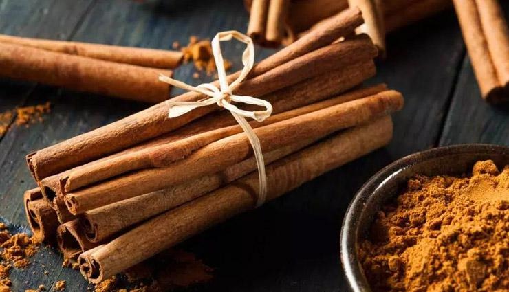 spices that can replace medicines,spices,medicine,home made medicines,fenugreek methi,coriander dhania,turmeric haldi,clove laung,cardamom elaichi,black pepper,chili pepper,celery seeds,cinnamon,cayenne,caraway seed,fenugreek