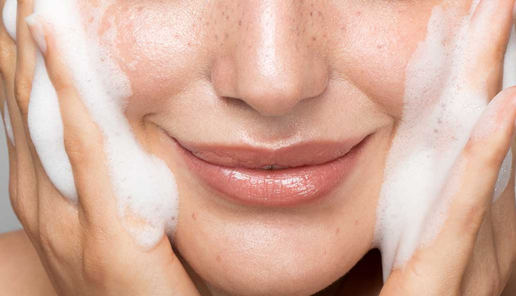 dry skin around the lips,winter dry skin,dry skin tips,ways to get rid of dry skin,how to treat dry skin around lips,beauty tips,beauty hacks