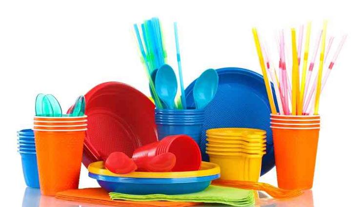 प्लास्टिक के बर्तनों पर लगे दाग हटाना बहुत मुश्किल, इसे आसान बनाने के लिए आजमाए ये तरीके