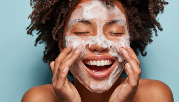 4 DIY Natural Cleansers You Must Try