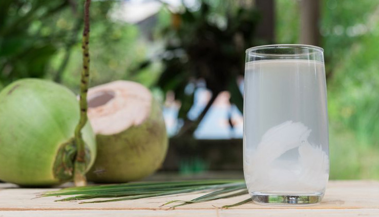 5 Amazing Beauty Benefits of Drinking Coconut Water