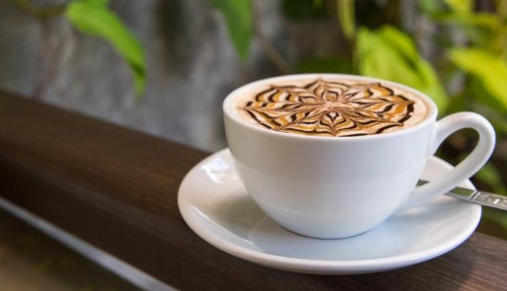 रेस्टोरेंट जैसी झाग वाली कॉफी, सस्ते में होगी घर पर तैयार #Recipe