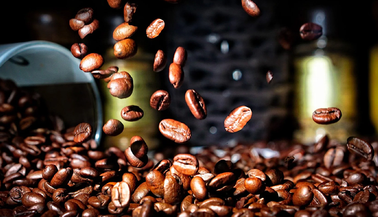 8 Benefits of Using Coffee For Skin Care